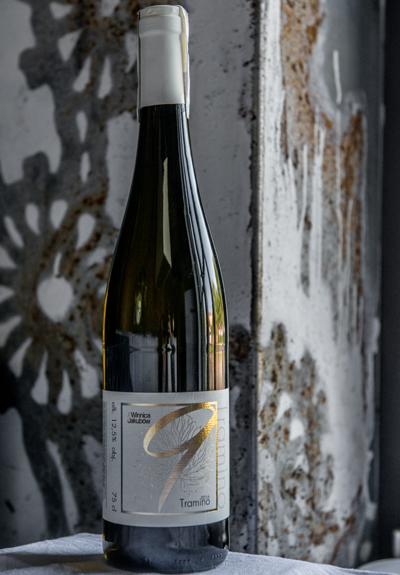 Wino Winnica Jakubów Tramino 2016