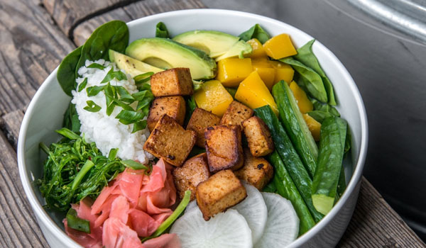 poke bowl z tofu